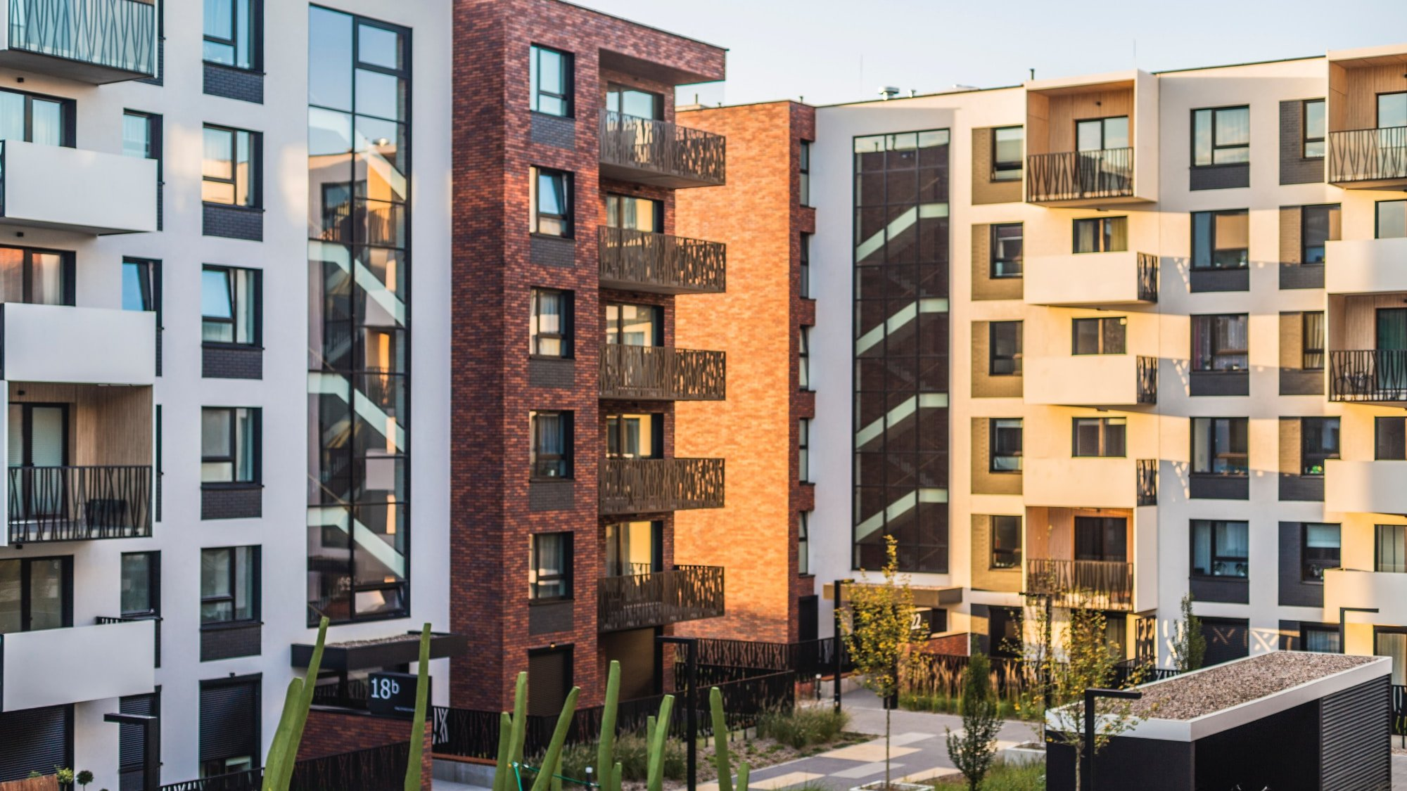 What's The Mind-blowing Impact Of Cap Rates On Multifamily Valuation?